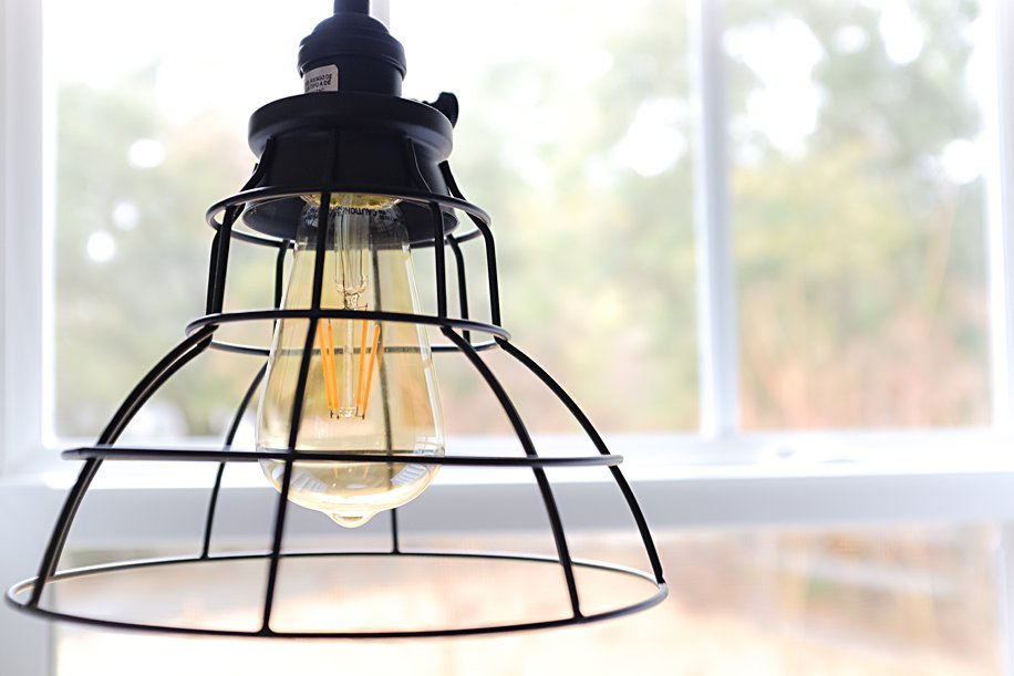 Use Led Light Bulbs To Save Money Feather Light Low Cost