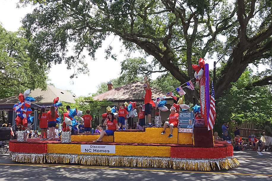 NC 4th of July Festival Southport North Carolina Guide | Simply Living NC